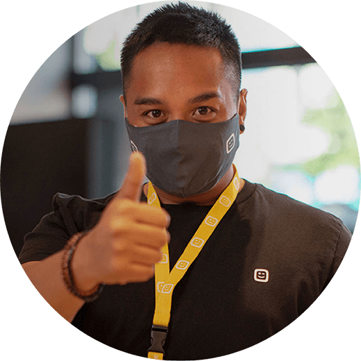 bol Telenet employee thumbs up